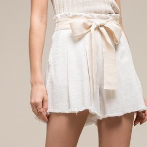 Moon River Paperbag shorts with waist tie; WHITE
